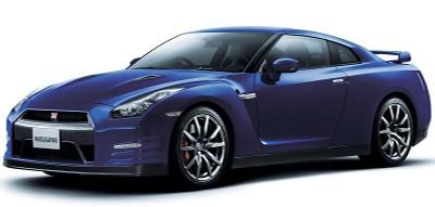 Présentation complète de l'évolution 2012 de la Nissan GT-R. Tous les ans, cette Nissan GT-R reçoit quelques améliorations tant esthétiques que dynamiques.